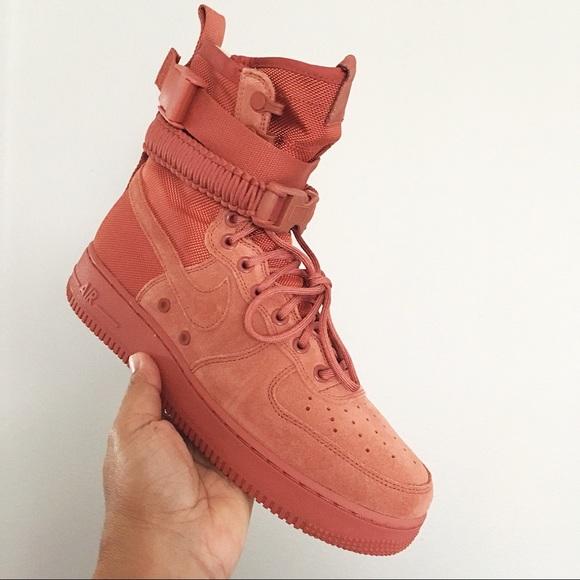 Nike SF AF1 Dusty Peach Mens Size 9 NWT NWT